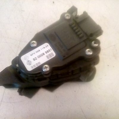 82 0008 9851 Gaspedaal Sensor Renault Clio 2 1.4 16V (2001)