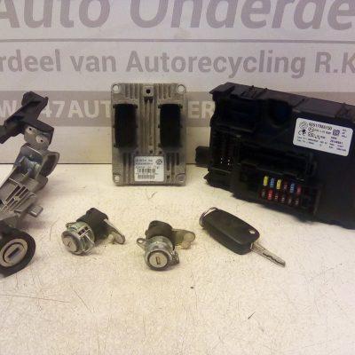 IAW 5SF3.M1 D032 ECU/Computer Set Met Sloten Fiat Grande Punto 1.2 01-2006 / 01-2011 Met Motorcode .199A4 1242CC 48KW