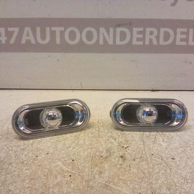 Zij Knipperlichten Volkswagen Fox 2011